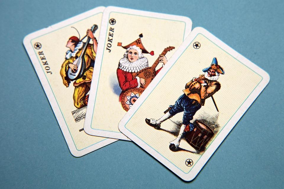 5 trucos de magia sencillos con cartas-joker